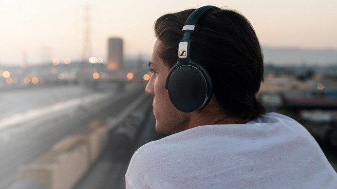 headphones - HD Sennheiser